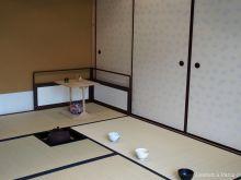 Tatami, tea bowls and tea preparation space